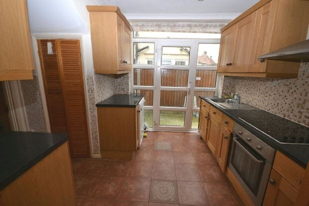 Thumbnail Semi-detached house to rent in Ropers Avenue, Chingford