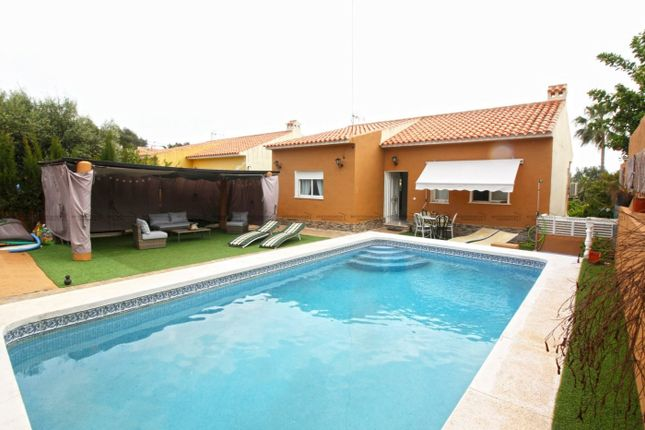 Villa for sale in Bello Horizonte, La Nucia, Spain