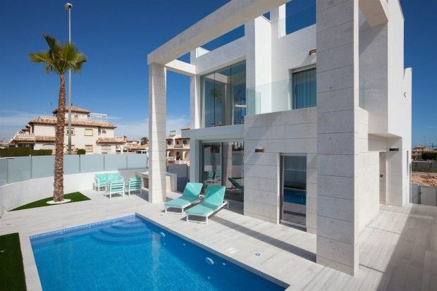 Stunning 4 Bedroom Show House, Cabo Roig, 03189