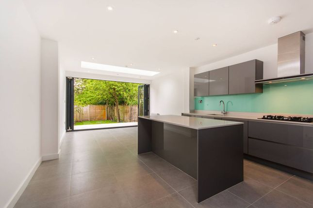 Thumbnail Property for sale in Howards Lane, Putney