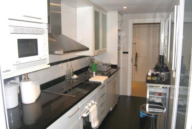 A3939_10_Kitchen (2)