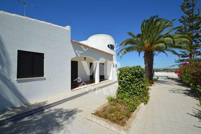 Villa for sale in Caramujeira, Lagoa, Lagoa Algarve