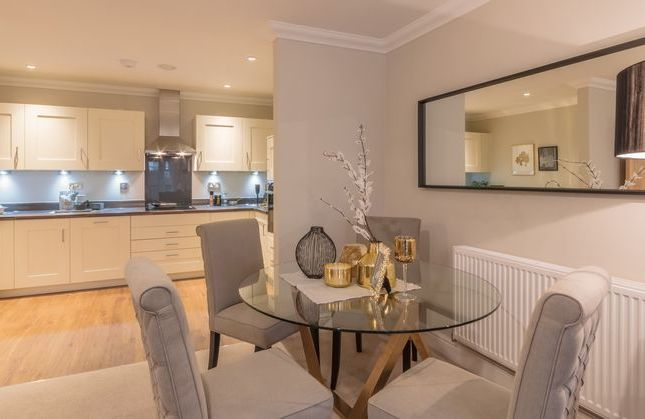 Thumbnail Property for sale in Essex Drive, Cranleigh