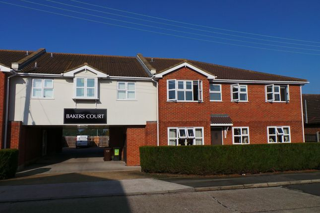 Thumbnail Flat to rent in Bakers Court, Church Parade, Canvey Island