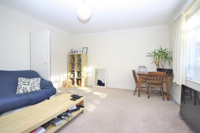 Thumbnail Bungalow to rent in Langton Way, London