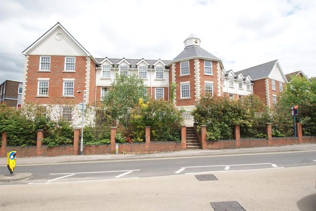 Thumbnail Flat for sale in Crown Hill, Rayleigh