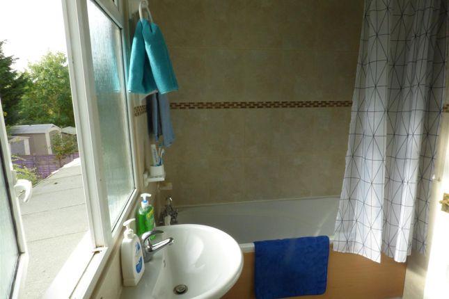 Bathroom of Stevenage Crescent, Borehamwood WD6