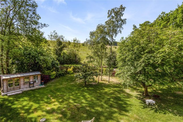 Picture No. 37 of The Glade, Kingswood, Tadworth, Surrey KT20