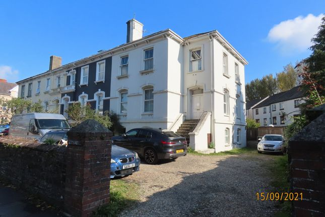 Thumbnail Flat to rent in Victoria Road, Barnstaple
