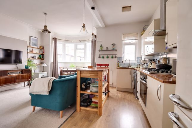 Lounge/Kitchen of Westbourne Grove, Westcliff-On-Sea SS0