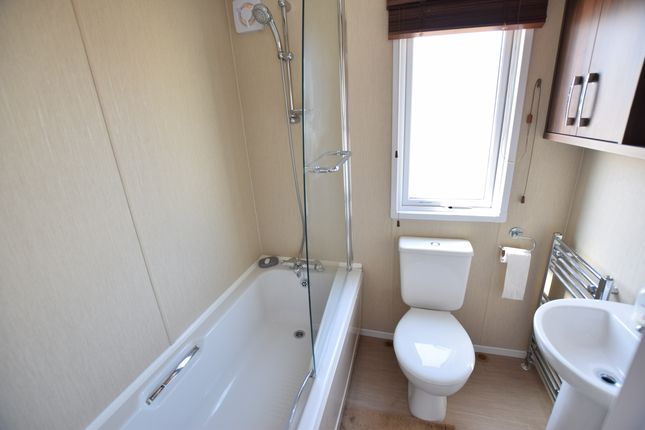 En-Suite of Pebble Beach, Pevensey Bay BN24