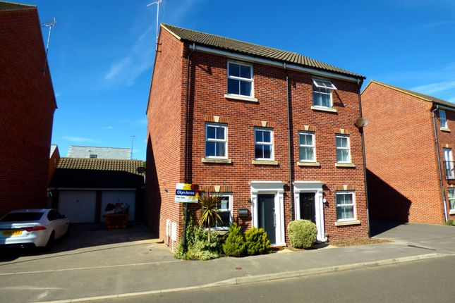 Thumbnail Town house for sale in Hollist Chase, Wick, Littlehampton