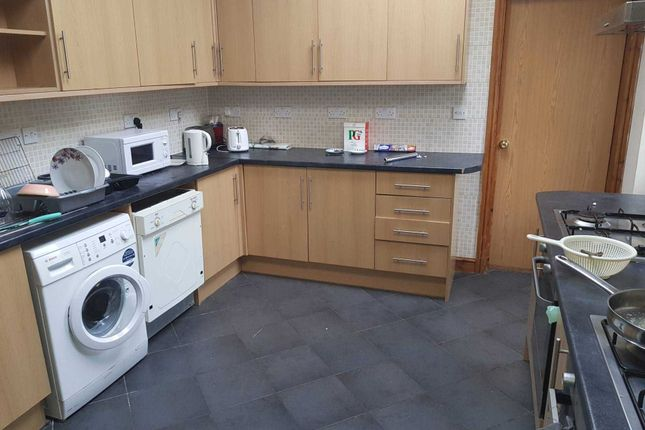 Thumbnail Shared accommodation to rent in Richards Street, Cathays, Cardiff