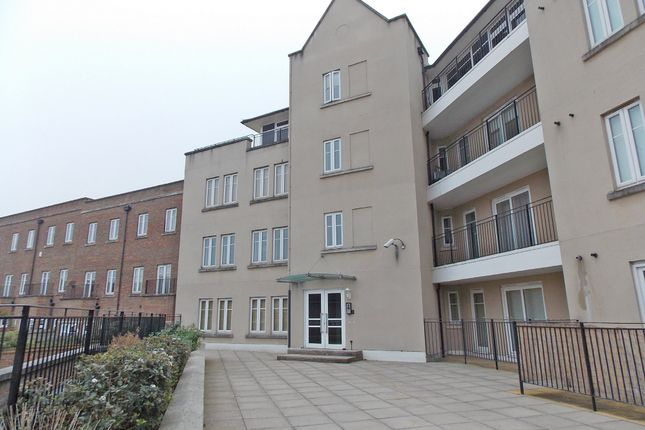 Thumbnail Flat for sale in The Boulevard, Greenhithe