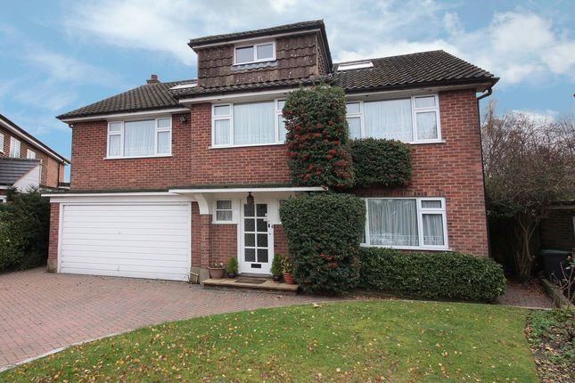 Thumbnail Detached house for sale in Garden Way, Loughton