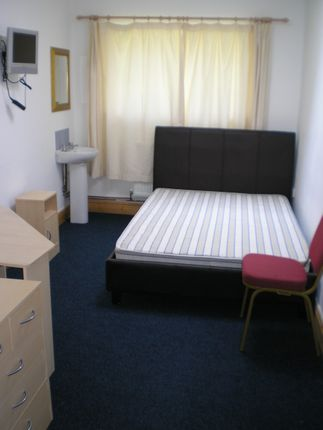 Thumbnail Shared accommodation to rent in 7 De La Beche Road, Swansea