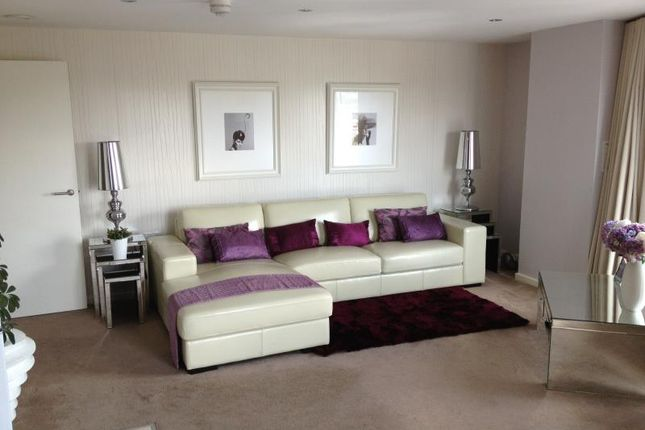 1 bed flat to rent in Hive, Masshouse Plaza, Birmingham