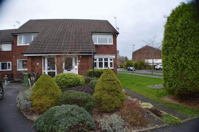 Thumbnail Flat to rent in Dunecroft, Denton, Manchester