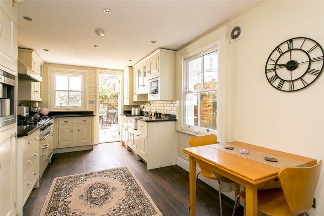 Thumbnail Property for sale in Sangora Road, London