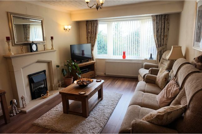 Thumbnail Bungalow for sale in Kingscote Close, Redditch