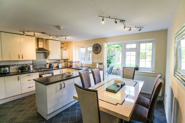 Thumbnail Terraced house to rent in Firs Avenue, London