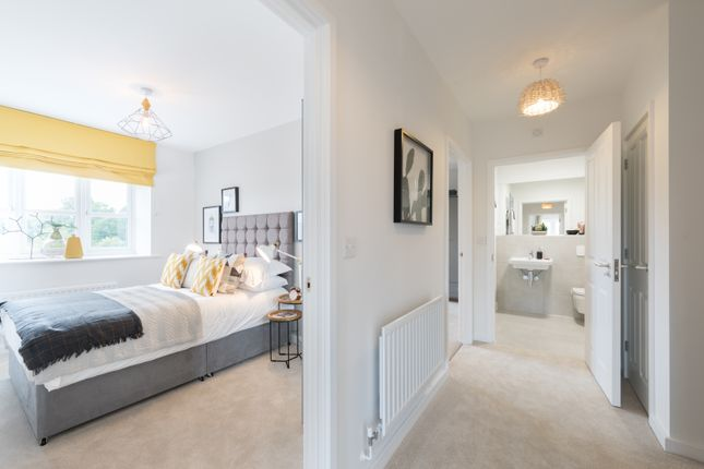 2 bedroom flat for sale in Ferard Corner, Warfield, Berkshire
