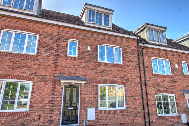 Thumbnail Town house for sale in Greenacre Way, Sheffield