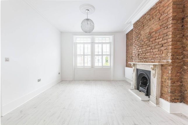 Thumbnail Flat for sale in Park Avenue, Bounds Green, London