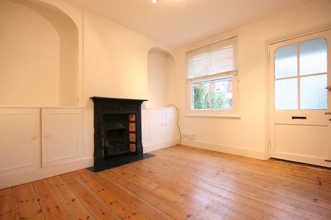Thumbnail Terraced house to rent in High Street, Northwood