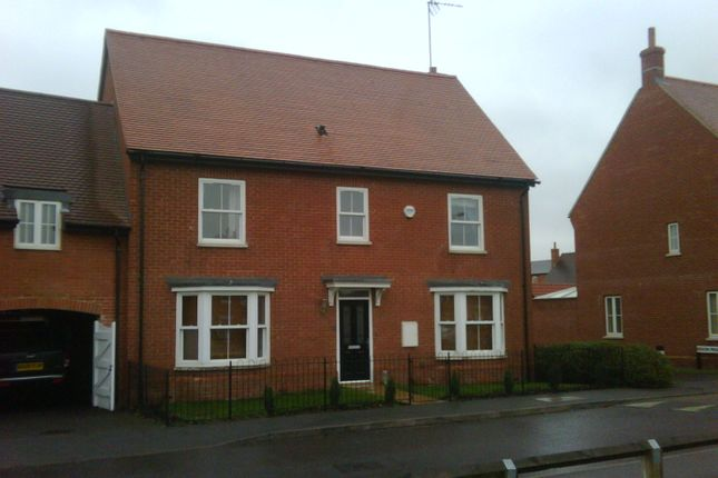 Detached house in  Chipmunk Chase  Hatfield A East London