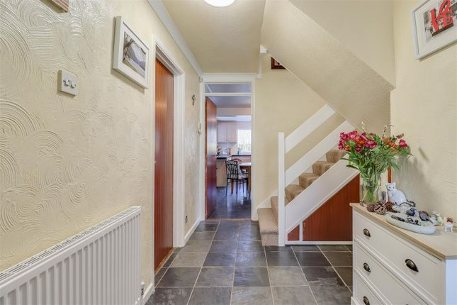 4 bed detached house for sale in Falcon Way, Basildon SS16