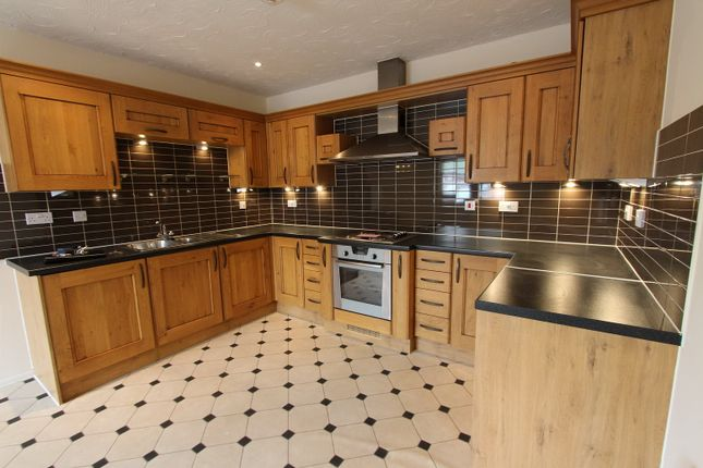 Thumbnail Flat to rent in Peoples Place, Warwick Road, Banbury