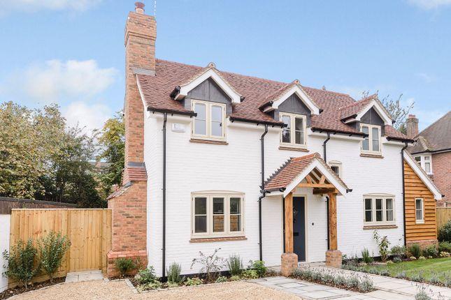 Thumbnail Detached house for sale in The Platt, Amersham