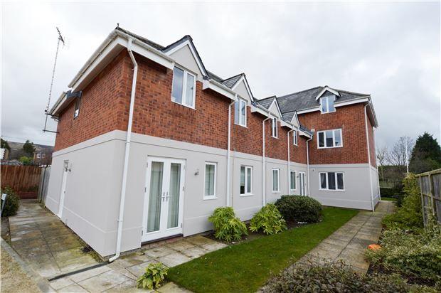 Thumbnail Flat for sale in Prestbury Lodge, Chiltern Road, Prestbury