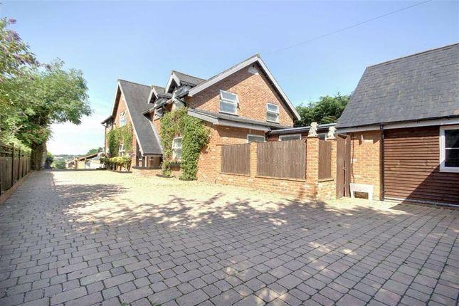 Thumbnail Detached house for sale in Newgatestreet Road, Goffs Oak, Hertfordshire