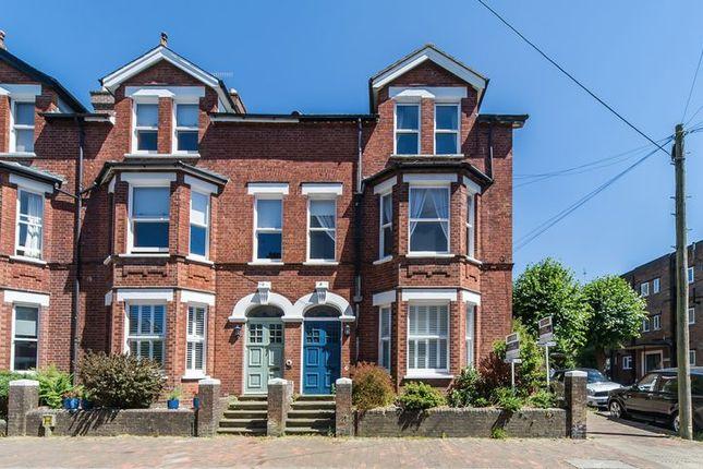 Thumbnail Flat for sale in Mountfield Gardens, Tunbridge Wells