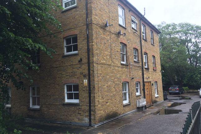 Thumbnail Flat to rent in Cecilia Road, Hackney, Hackney