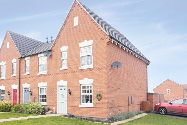 Thumbnail Town house for sale in Glengarry Way, Greylees, Sleaford