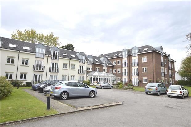 2 bed flat for sale in Oakdene, Lansdown Road, Cheltenham, Gloucestershire