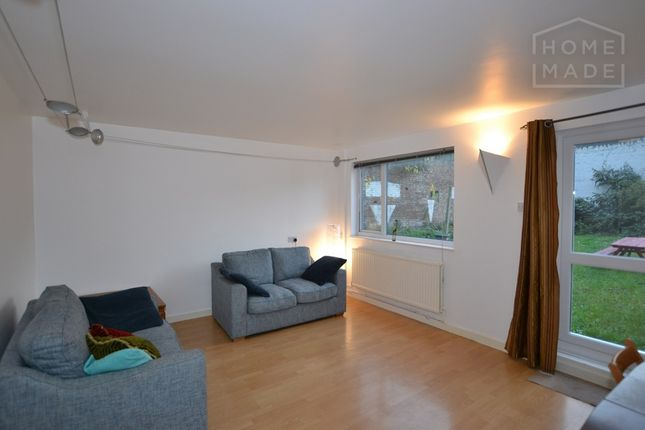 Thumbnail Flat to rent in Carlile Close, Mile End