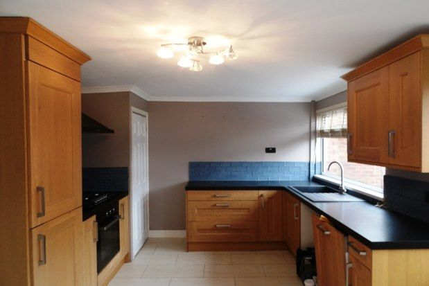 3 bed property to rent in Daywell Rise, Rugeley WS15