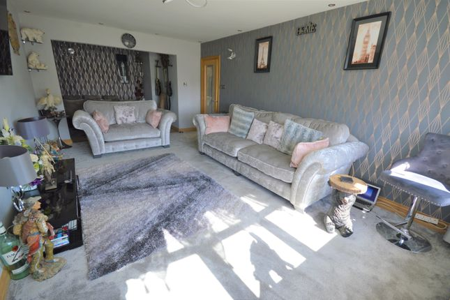 Thumbnail Bungalow for sale in Grovehill Road, Filey