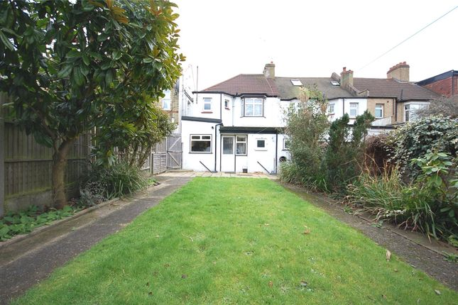 Picture No. 11 of Chislehurst Avenue, North Finchley, London N12