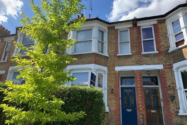 1 bed flat for sale in Glebe Road, London N3