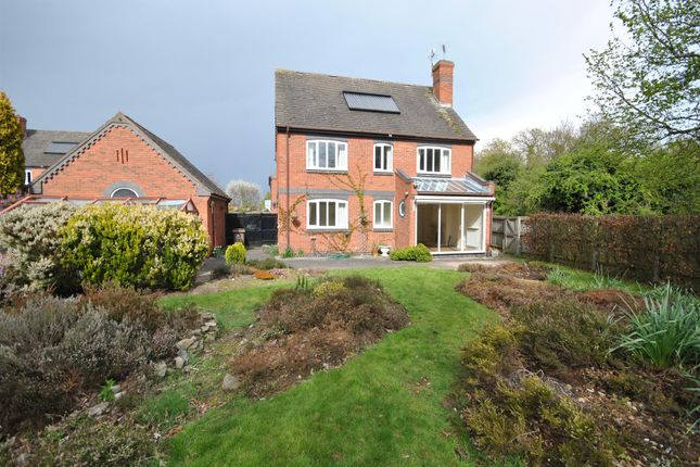 Thumbnail Detached house for sale in Upper Green, Loughborough