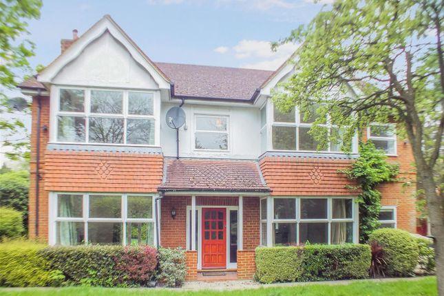 5 bed detached house to rent in Hersham Road, Walton On Thames, Surrey KT12