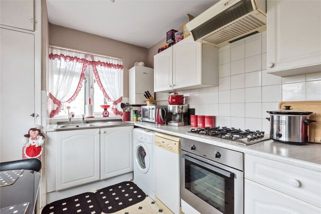 2 bedroom maisonette for sale in Sherwood Court, High Street, West Wickham