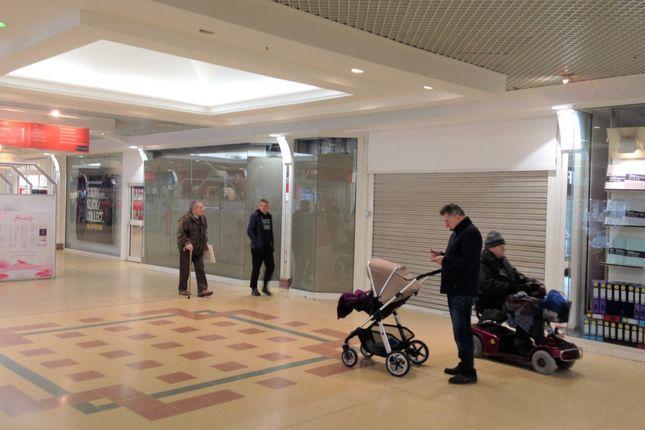 Thumbnail Retail premises to let in 61/62 High Walk, Aldershot, Hampshire