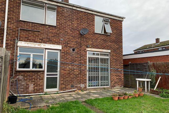 Thumbnail Semi-detached house to rent in Northborough Road, Slough