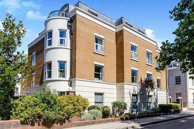 Thumbnail Flat for sale in Osborne House Grosvenor Square, Southampton